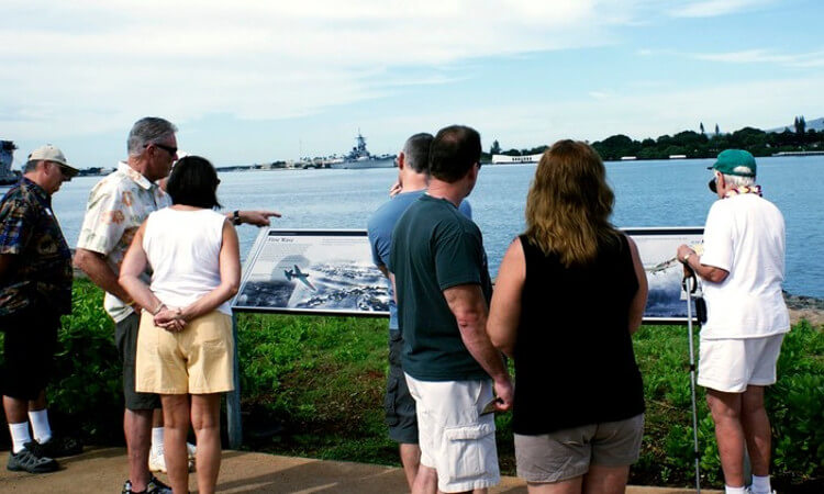 Deluxe Pearl Harbor Visitor Center Tour2
