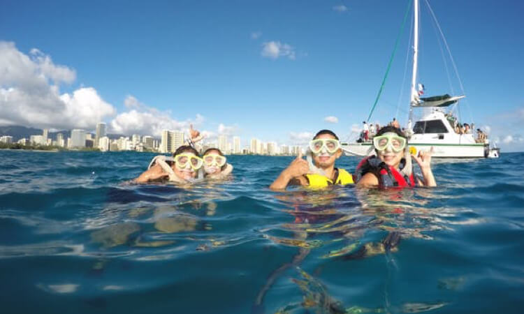 Honolulu Sail and Snorkel with Turtles1